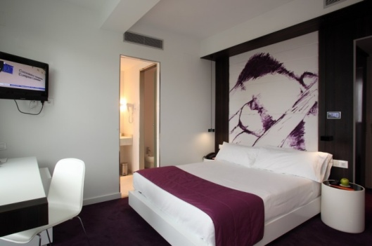 Room-Mate-Emma-Hotel-Barcelona-01