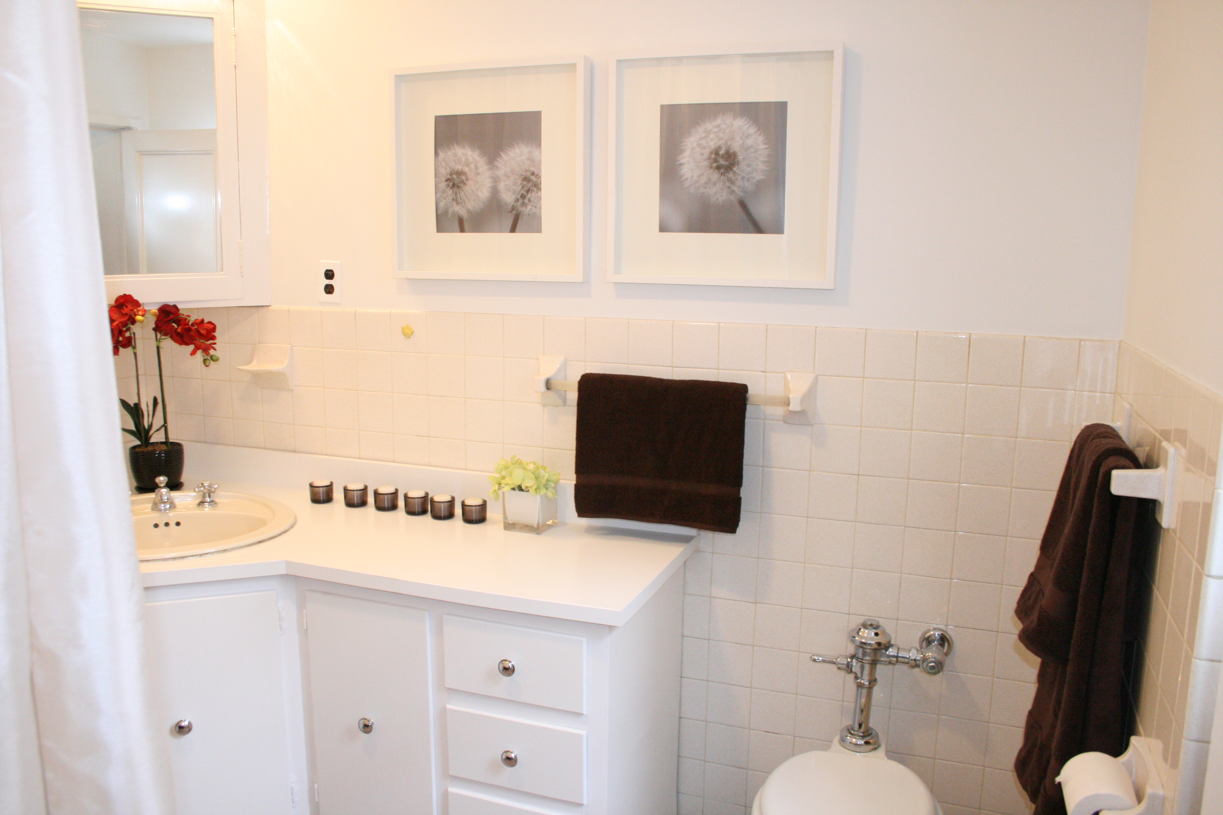 Home Staging Secrets Refreshing A Bathroom On A Budget